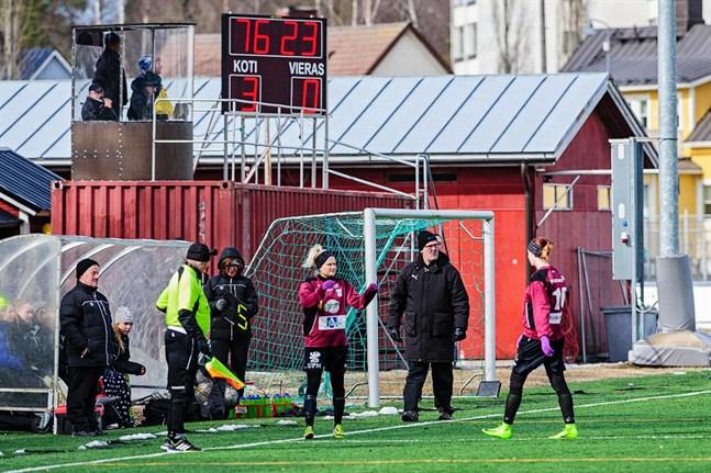 Keijo Paananen och Andrea Ström är tillbaka i FC United. Här i en match mot TuWe den 22 april 2017.