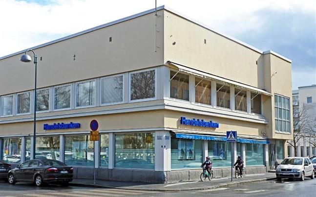 Jakobstads hemvård finns i Seniorcenter på Runebergsgatan 9.