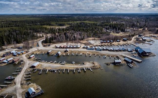 Om det bara finns intresse och är ekonomiskt lönsamt vill Korsholm utveckla en semesterby i Svedjehamnen.