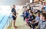 Var försiktiga i vattnet, säger tränaren Jenni Paavola.