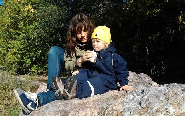 Vasabördiga Pia Wikholm drabbades själv av hyperemesis när hon var gravid med dottern Milla.