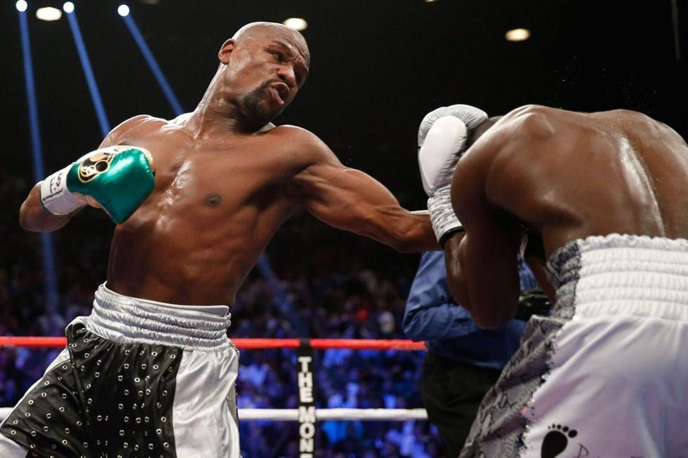 Floyd Mayweather går in i den så kallade superfajten som favorit. Foto   Lehtikuva Getty Images AFP Ezra Shaw 38de256ae4962