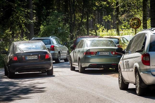 Så här brukar det se ut längs Fäbodavägen under varma sommardagar.