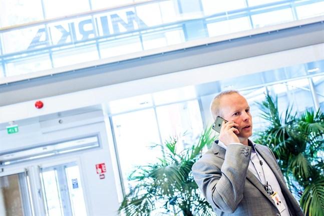 Mirkas vd Stefan Sjöberg kallade på torsdagen hela personalen till samarbetsförhandlingar. Varslet om permitteringar på 90 dagar berör alla 813 anställda i Finland.