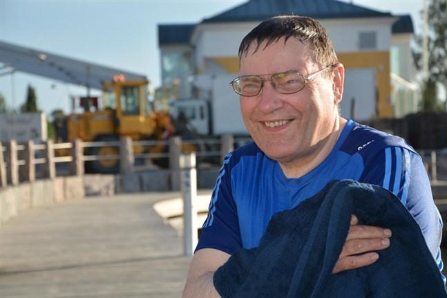 Företagaren Lauri Ketonen utsågs till Årets hedersmedborgare 2017 i Kristinestad (bilden). Nu har Ketonen förlänats hederstiteln ekonomieråd av republikens president.