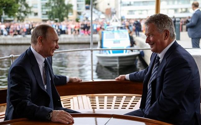 Rysslands president Vladimir Putin och Finlands president Sauli Niinistö på passagerarångaren S / S Saimaa på torsdag.