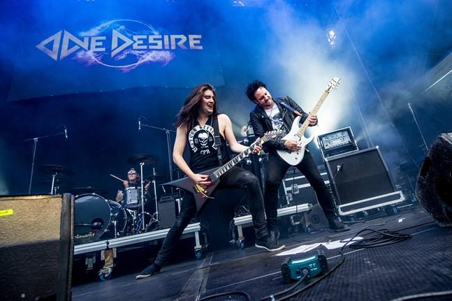 """One Desire gav ut albumet """"Midnight empire"""" tidigare i år, men tyvärr har bandet inte kunnat spela i Österbotten."""