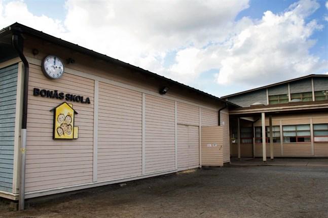 Coronaexponering i Bonäsfastigheten i Bonäs-Vestersundsby skola under måndagen.