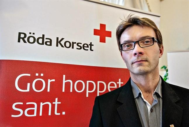 Ricky Berglund tror att specialstatusen vid mottagningscentralen i Kristinestad innebär att den inte hamnar på någon nedläggningslista.