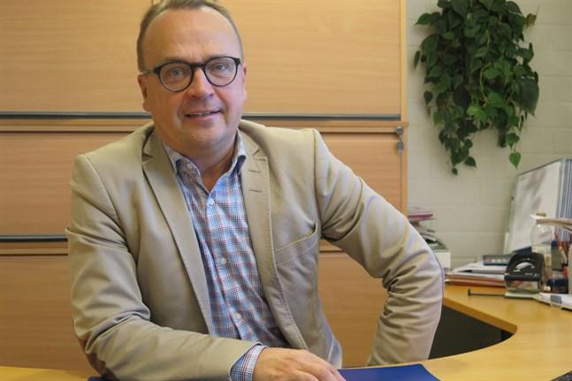 Startias vd Tommi Virkama konstaterar att det kan vara så att det går bättre än väntat för egenföretagare. Det är positivt, säger han.