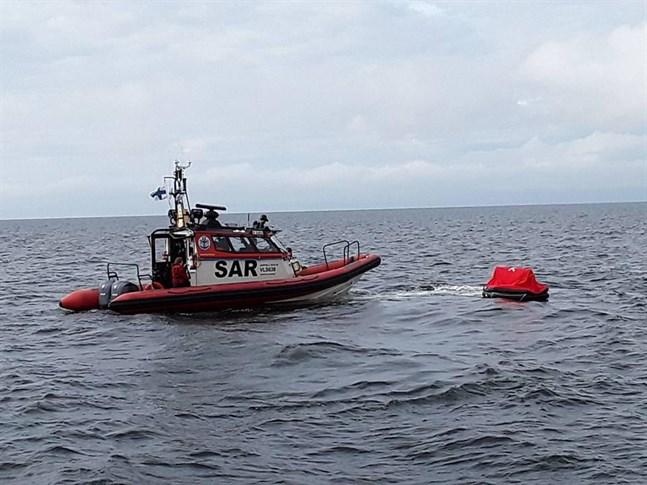 Västra Finlands sjöbevakningssektion informerar om nya bestämmelser när det kommer överföring av fritidsbåtar till och från utlandet.