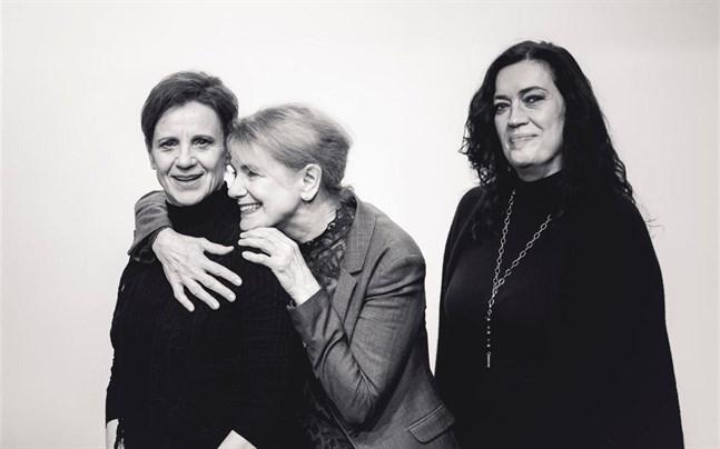"""Ylva Ekblad, Stina Ekblad och Ulrika Bengts gör """"De langerhanska öarna""""."""