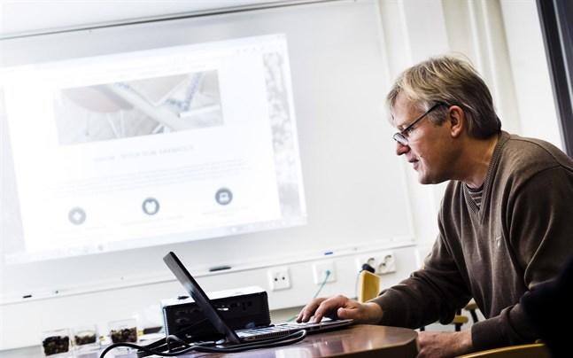 Topeliusgymnasiets rektor Stefan Kula är nöjd över resultatet i gymnasierankningen.