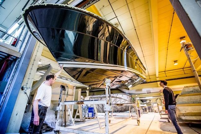 Botnia Marin tillverkar båtar i Malax och Nykarleby.