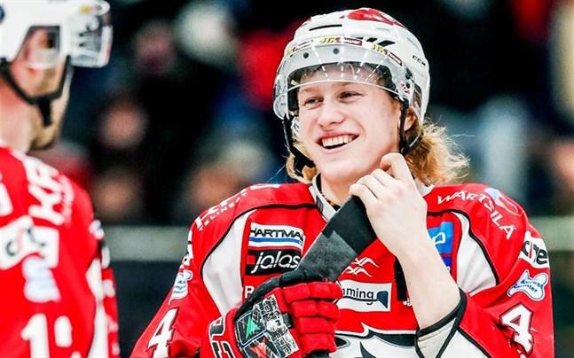 Robin Salo, här i Sporttröjan, får chansen att pröva lyckan på andra sidan Atlanten. Men först ska han spela klart säsongen med Örebro.