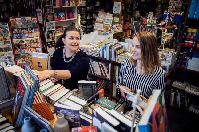 Anna-Lena Palomäki och Sophia Brink menar att Boklund kommer att hjälpa både egenutgivare och Gros bokhandel som nu får ett ben till att stå på.