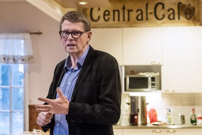 Arkivbild: Finansministern Matti Vanhanen (C).