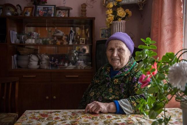 Ljudmila intervjuades om synen på Finland som granne och om karelsk identitet.