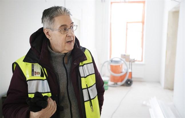 Christer Öhman är kritisk till hur frågorna i invånarundersökningen om vindkraften i Ribäcken och Långmossa var formulerade och till vem de ställdes.