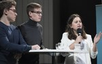 I Vasa gymnasiums lag deltog Simon Kanev, Jonas Håkans och Amina Elezovic.