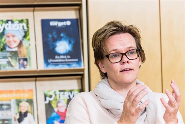 Enligt social- och hälsovårdsdirektör Pia-Maria Sjöström är känslan att vaccinattityderna i regionen blivit bättre men hpv-vaccinet är fortfarande en utmaning.