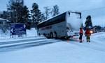 Bussen körde rakt i T-korsningen.