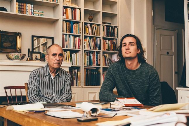 Rafael Donner med sin pappa Jörn Donner.
