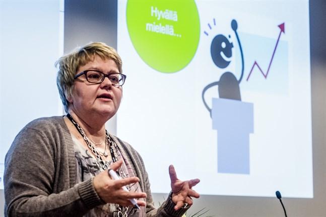 Soites vd Minna Korkiakoski-Västi påpekade att förslaget till ny svenska sektion inte var lagligt eftersom könsfördelningen var skev.