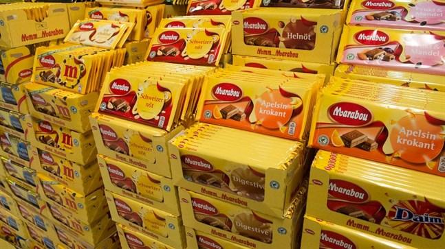 Anklagas for att ha stulit flera ton choklad