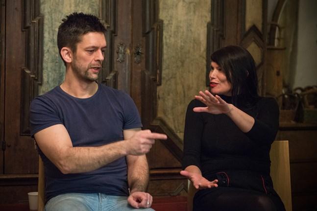 Marcus Prest och Hannele Mikaela Taivassalo medverkar i förlaget Eliips jubileumsantologi.