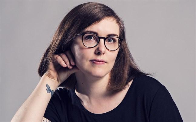 """Elin Willows är författare och kulturjournalist. """"Nya namn"""" är hennes andra roman."""