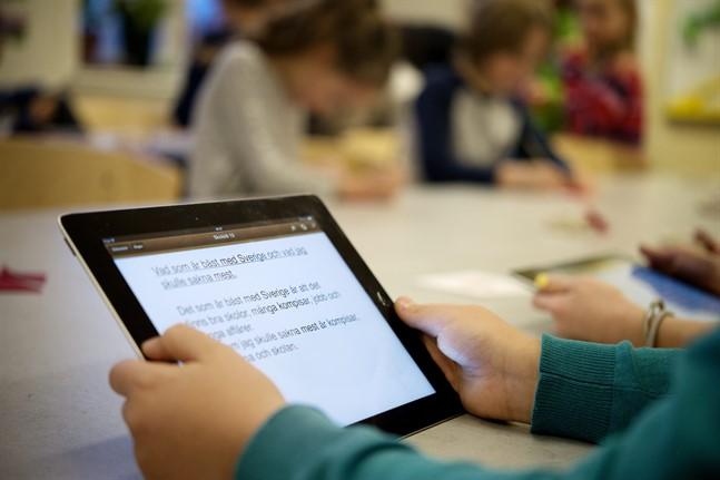 I höst räknar man inte med att det blir någon total stängning av skolorna. Men kommunerna förbereder sig för det som kallas exceptionella undervisningsarrangemang – distansundervisning i klasser eller hela skolor.