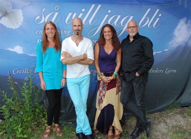 Kvartetten som hyllar Björn Afzelius, från vänster, Fia Viktorsson, Bengt Kyllinge, Cecilia Kyllinge och Anders Larm.