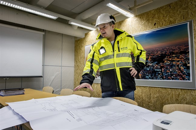 Nycons vd Håkan Nyman hoppas att arbetet med Järnvägstorget får ny fart efter semestrarna.