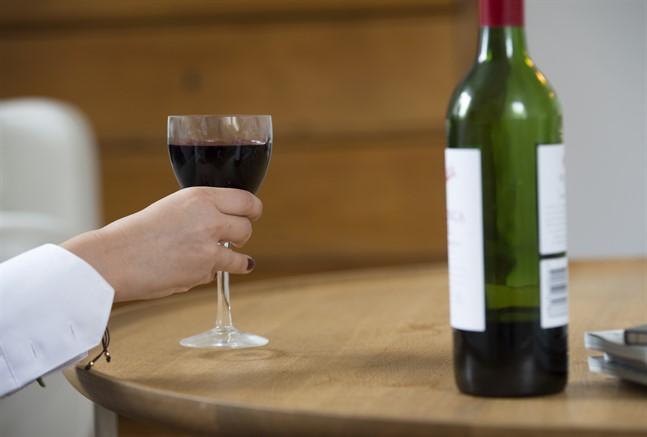 Något förbud mot alkoholförsäljning är inte aktuellt i dagsläget.