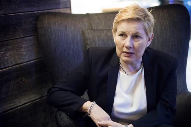 Nina Pärssinen är en erfaren arbetsmarknadsjurist som anser att Skogsindustrin har mest nytta av ett förbundsvis arbetsmarknadsavtal.