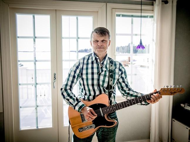 Tomas Fant har varit dansbandsmusiker i över 30 år.