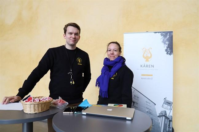 Jacob Storbjörk, styrelsemedlem i Åbo Akademis Studentkår, och Petra Lindblad, trakasseriombud, vill öka respekten och delaktigheten och stoppa trakasserierna i studielivet.