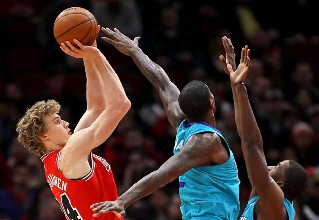Lauri Markkanen överträffade förväntningarna i debutsäsongen i NBA.