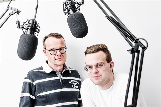 Fotbollspodden görs av Sören Bäck och Björn Bredbacka.