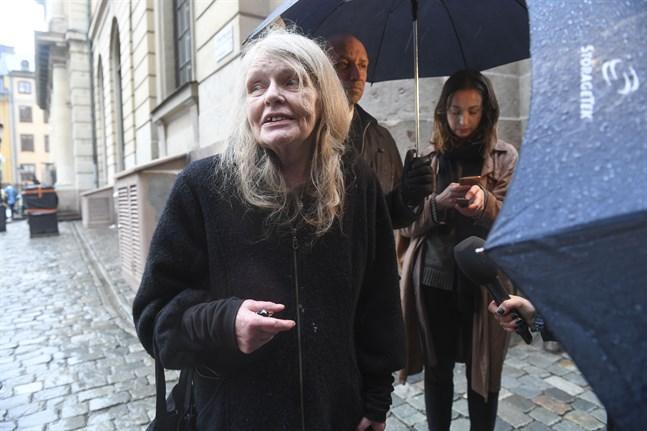 """""""Skulle vi inte gå i land med det så tycker jag alla ska avgå"""", sade Kristina Lugn till Dagens Nyheter inför gårdagens möte i Börshuset i Stockholm."""