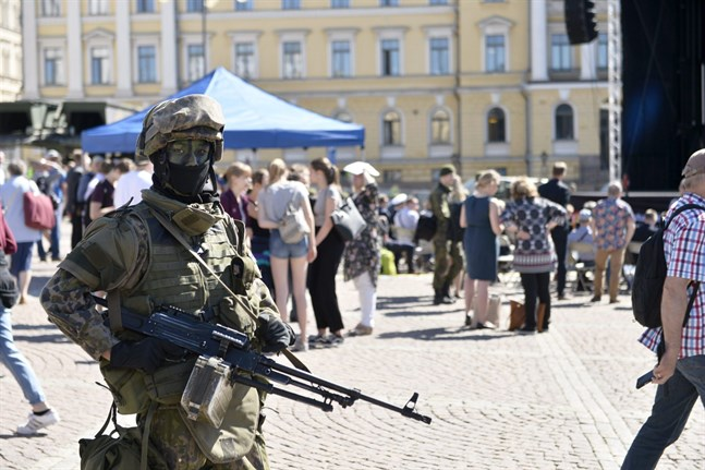 Försvarsmakten firade sin 100-årsdag på Senatstorget den 30 maj i år.
