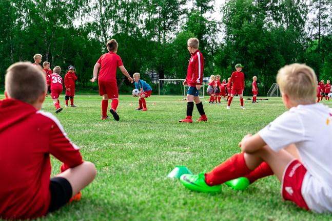 Det blir sannolikt dyrare att idrotta i Jakobstad.