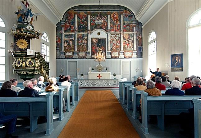 På onsdag nästa vecka samlas kyrkofullmäktige i Kronoby kyrka för att bland annat besluta anhålla om att ny kyrkoherde väljs med indirekt val.