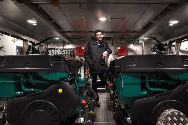 Fabrikschef Jens Ahlskog vid Kewatec AluBoats är glad över utvecklingspengarna.