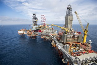 Oljearbetare dog i storm 1