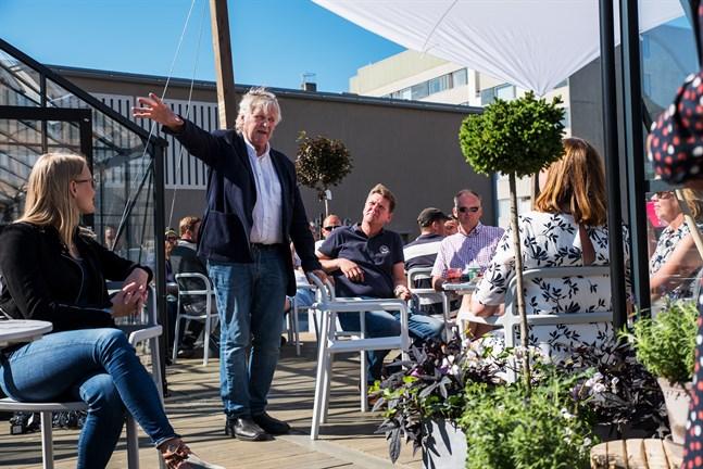 Arkitekten Roger Wingren visionerar om torget 2018, visioner som lär behövas.