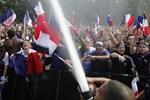 Supportrar i Paris.