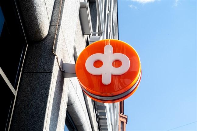 Andelsbanken förnyar sina bankkort men alla hann inte distribueras med posten innan strejken bröt ut.