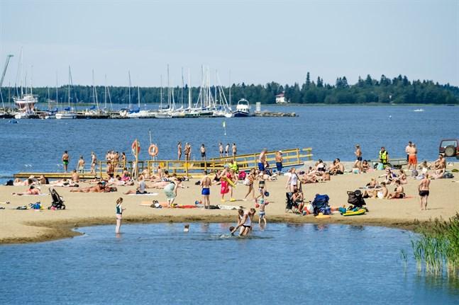 Badvattnet vid Vasas stränder uppfyller kvalitetskraven. Bilden är från Sandö.
